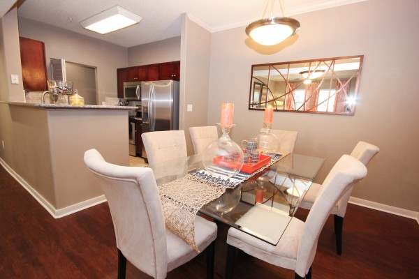 Dining room at Lincoln Melia Medical Center Apartments in Houston
