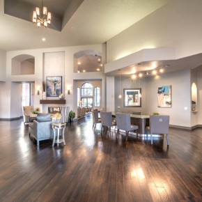 Resident lounge at Lincoln Melia Medical Center Apartments in Houston